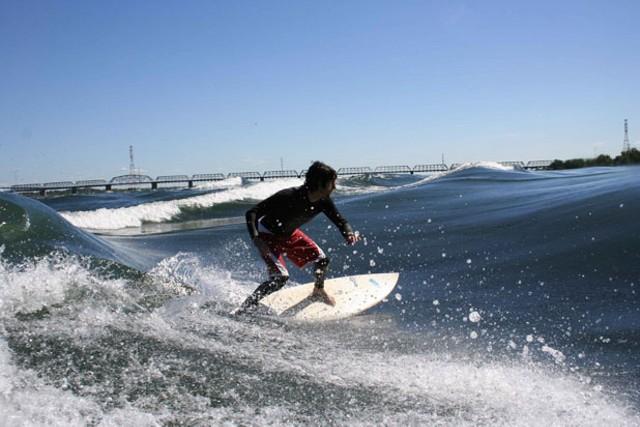 f-surfing.jpg