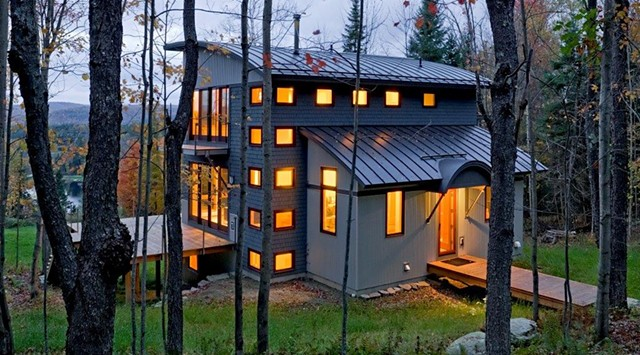 The 2013 People's Choice Award winner, a house in Sugarhill, N.H., by Smith and Vansant Architects of Norwich - COURTESY OF AIAVT
