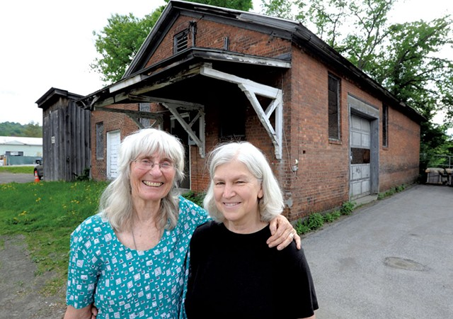 Carolyn Shapiro and Karen Lane - JEB WALLACE-BRODEUR