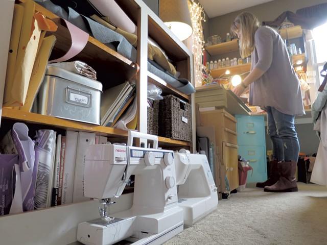 Phebe Mott in her home studio - MATTHEW THORSEN