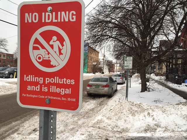 "A ""No idling"" sign in Burlington - SASHA GOLDSTEIN"