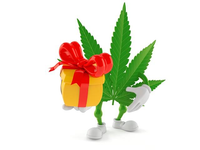 A gift for you! - PAWEL TALAJKOWSKI | DREAMSTIME.COM