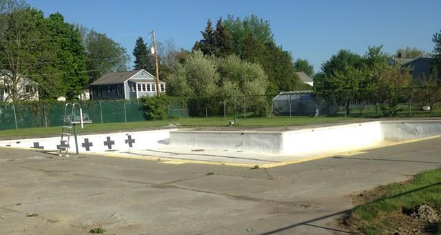 The bone-dry pool - MOLLY WALSH