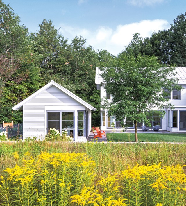 Exterior view of the home - LINDSAY SELIN