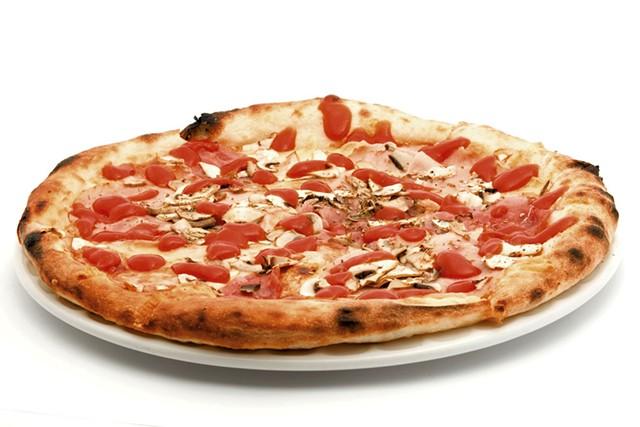 12-inch pizza pie - CHODE | DREAMSTIME.COM