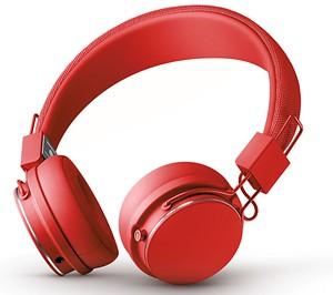 09-listen-headphones.jpg