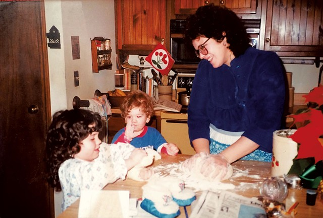 Evan Ross (center) making cookies as a child - COURTESY OF EVAN ROSS
