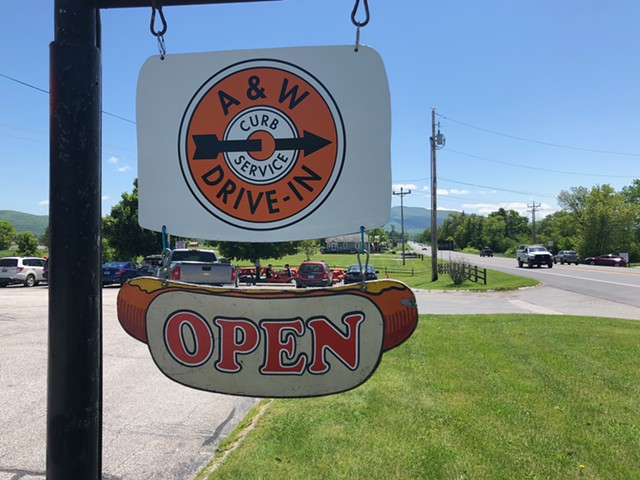 A&W on Route 7 in Middlebury - SABINE POUX