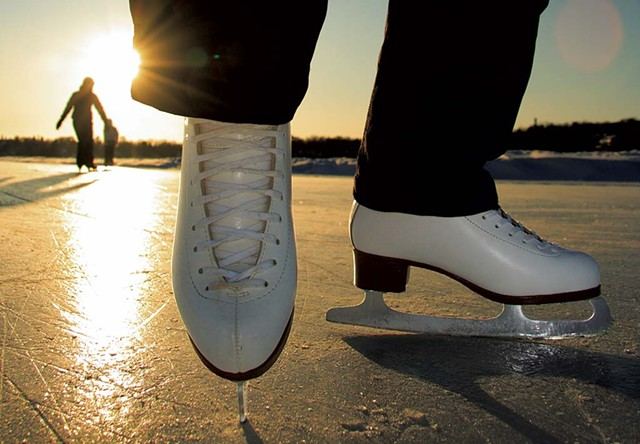 Ice Skating - © MARTINMARK | DREAMSTIME.COM
