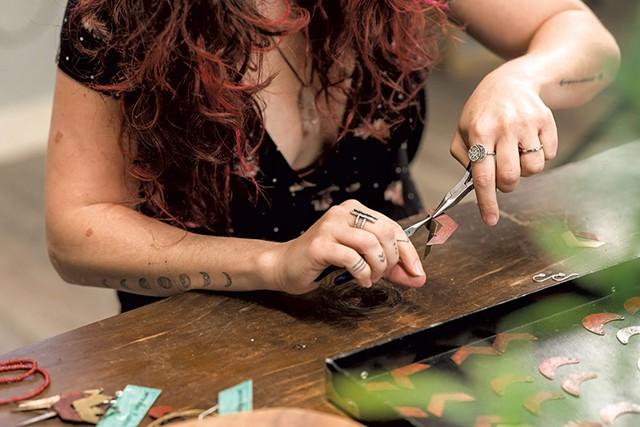 Jennifer Kahn - OLIVER PARINI