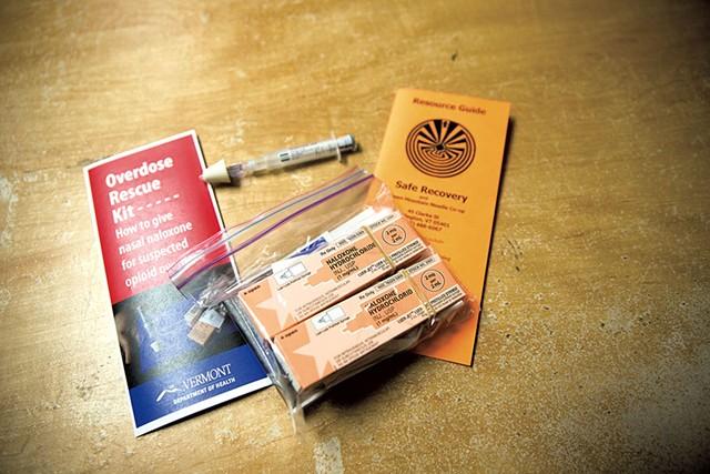 Narcan kit - JAMES BUCK