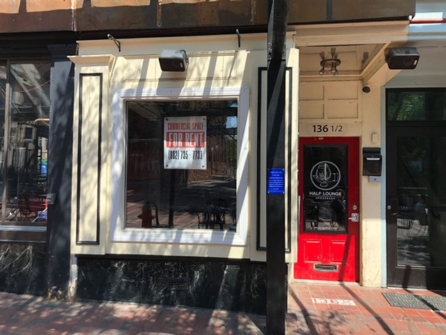 """""""For Rent"""" sign at the former Half Lounge in Burlington - COURTESY OF CAITRIN ROESLER"""