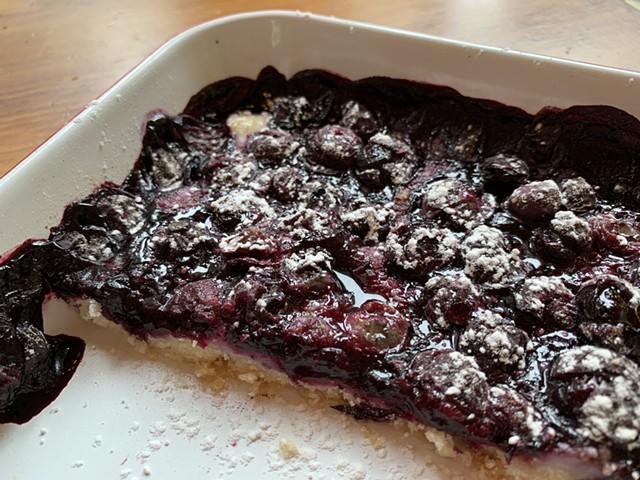 Blueberry shortbread bars - MELISSA PASANEN ©️ SEVEN DAYS