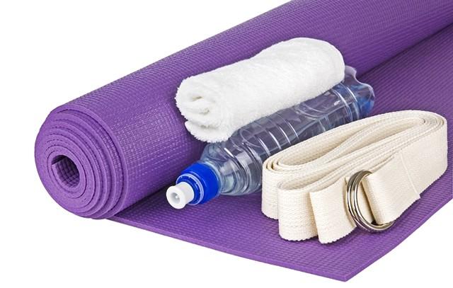 Vinyasa Yoga - KATERYNA GARYUK | DREAMSTIME.COM