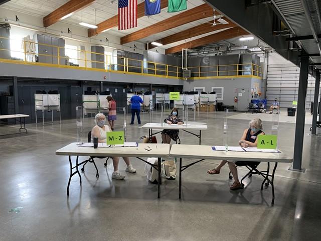 Polls in Williston - PAUL HEINTZ ©️ SEVEN DAYS
