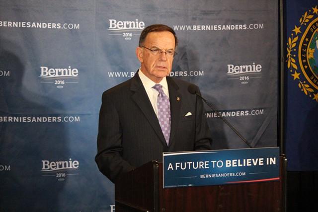 Former senator Paul Kirk endorses Sanders Thursday at Dartmouth College. - PAUL HEINTZ