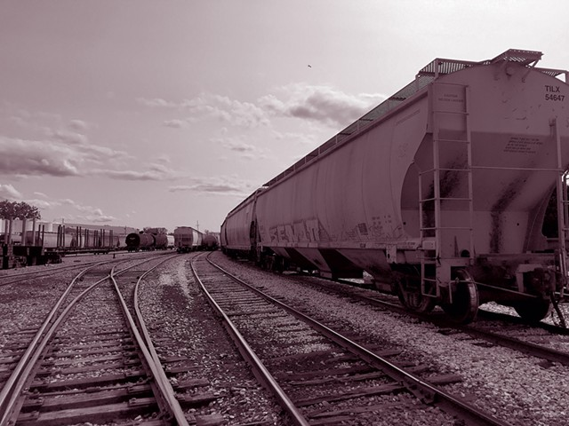 Rail yard on the Burlington waterfront - KIRSTEN THOMPSON ©️ SEVEN DAYS
