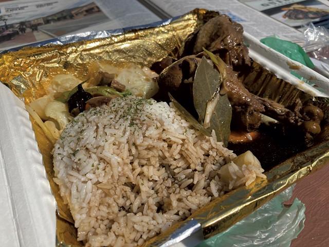 Chicken adobo from Pica-pica Filipino Cuisine - MARGARET GRAYSON ©️ SEVEN DAYS