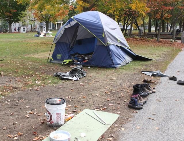 A tent left behind - COURTNEY LAMDIN ©️ SEVEN DAYS