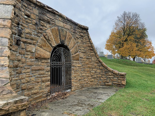 Receiving vault at Prospect Cemetery in Vergennes - KEN PICARD ©️ SEVEN DAYS
