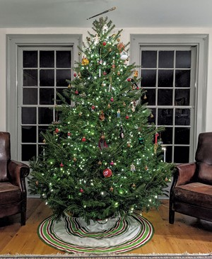 A communal Christmas tree - COURTESY OF ROCKWELL'S RETREAT