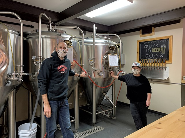 Hogback Brewing's Jamie Sawyer and Katie Baas of Lucky Star Catering - MELISSA PASANEN