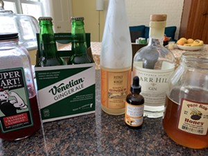 Ingredients for a cocktail and spirit-free version made with Venetian Ginger Ale - MELISSA PASANEN ©️ SEVEN DAYS