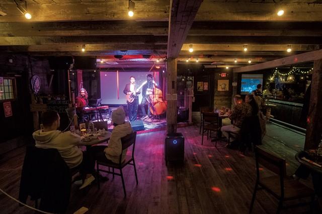 Live music inside Zenbarn - JEB WALLACE-BRODEUR
