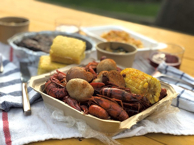 Crawfish boil from Southern Smoke - JORDAN BARRY ©️ SEVEN DAYS