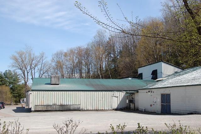 Koffee Kup's Burlington facility on Riverside Avenue - MATTHEW ROY ©️ SEVEN DAYS