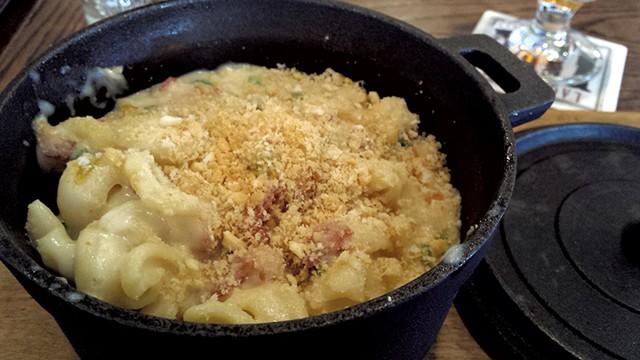 Bacon-jalapeño mac at Cornerstone Pub & Kitchen - MELISSA HASKIN