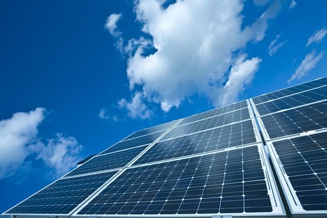 Solar arrays - DREAMSTIME