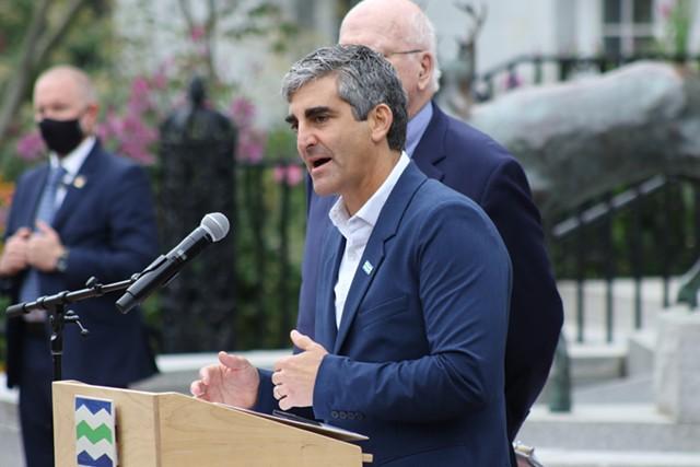Mayor Miro Weinberger on Thursday - COURTNEY LAMDIN ©️ SEVEN DAYS