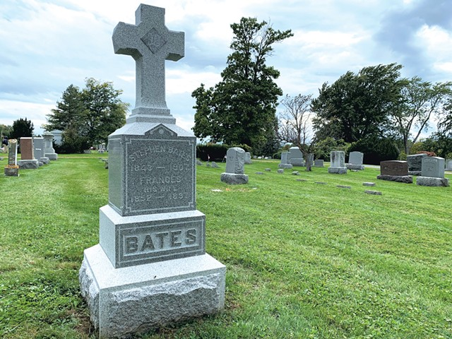 Gravestone of Stephen and Frances Bates at Prospect Cemetery in Vergennes - DAN BOLLES ©️ SEVEN DAYS
