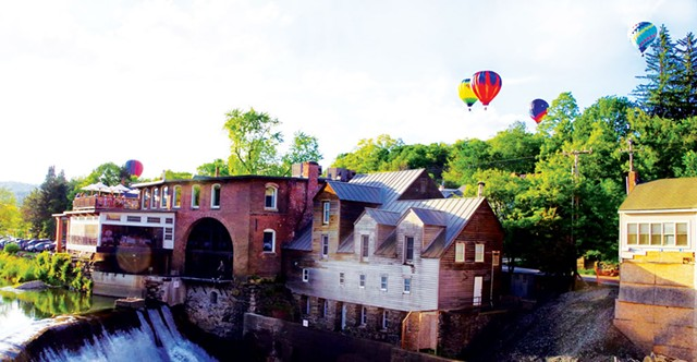 Quechee Hot Air Balloon Craft and Music Festival - STEPHEN MEASE