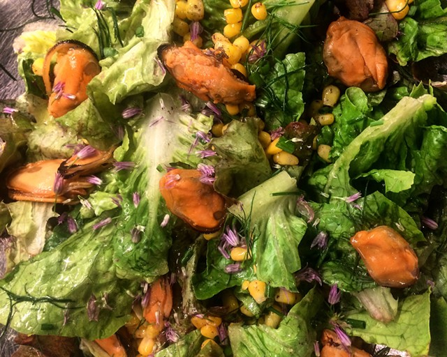 Salad with smoked mussels and browned-butter vinaigrette - SUZANNE PODHAIZER