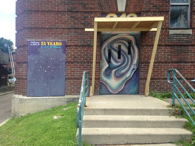 242 Main at Memorial Auditorium - MOLLY WALSH