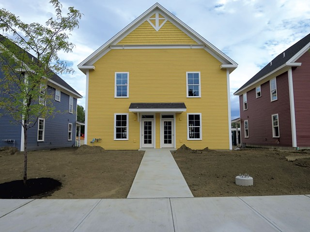 Duplexes at Bayberry Commons look like single-family homes - MATTHEW THORSEN