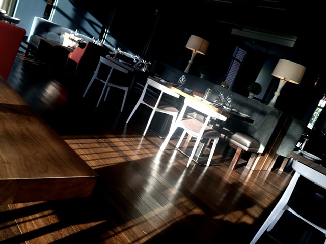 The dining room at Bleu - SUZANNE PODHAIZER