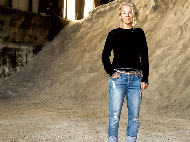 Erika Senft Miller at the salt shed - OLIVER PARINI