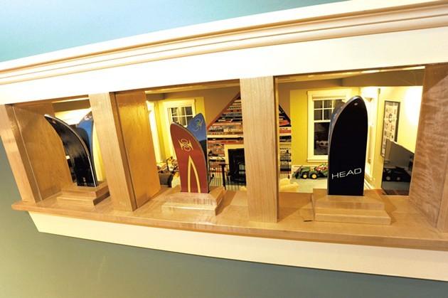 Ski-tip-adorned ventilation holes - JEB WALLACE-BRODEUR