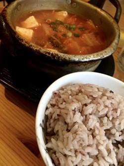 Kimchi jjigae with rice - SUZANNE PODHAIZER