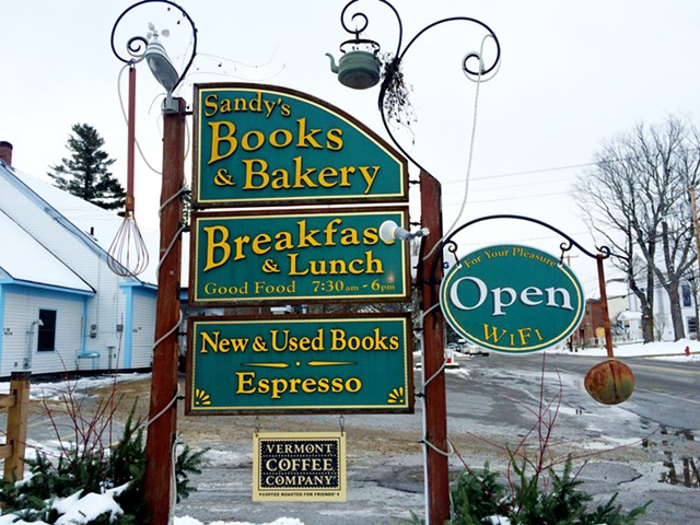 Sandy's Books & Bakery - JULIA CLANCY