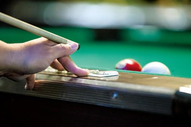 Terah Williams playing at the Van Phan Billiards - JAMES BUCK
