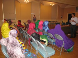 Mayor Miro Weinberger addressing a question from Somali Bantu students - KYMELYA SARI