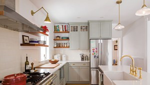 A Stylish Remodel Makes for Kitchen Connection