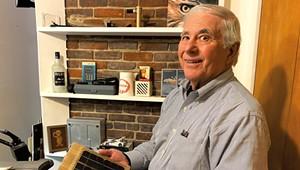 Apple Design Engineer Jerry Manock Auctions Off His Mac Mementos