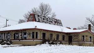 WTF: Why Is the Old Pizza Hut in South Burlington Still Empty?