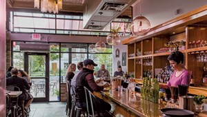 Restaurant Review: Diners Beat a Path to Honey Road