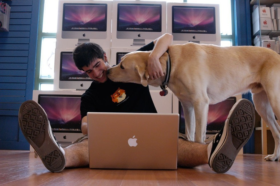 Small Dog Electronics - MATTHEW THORSEN